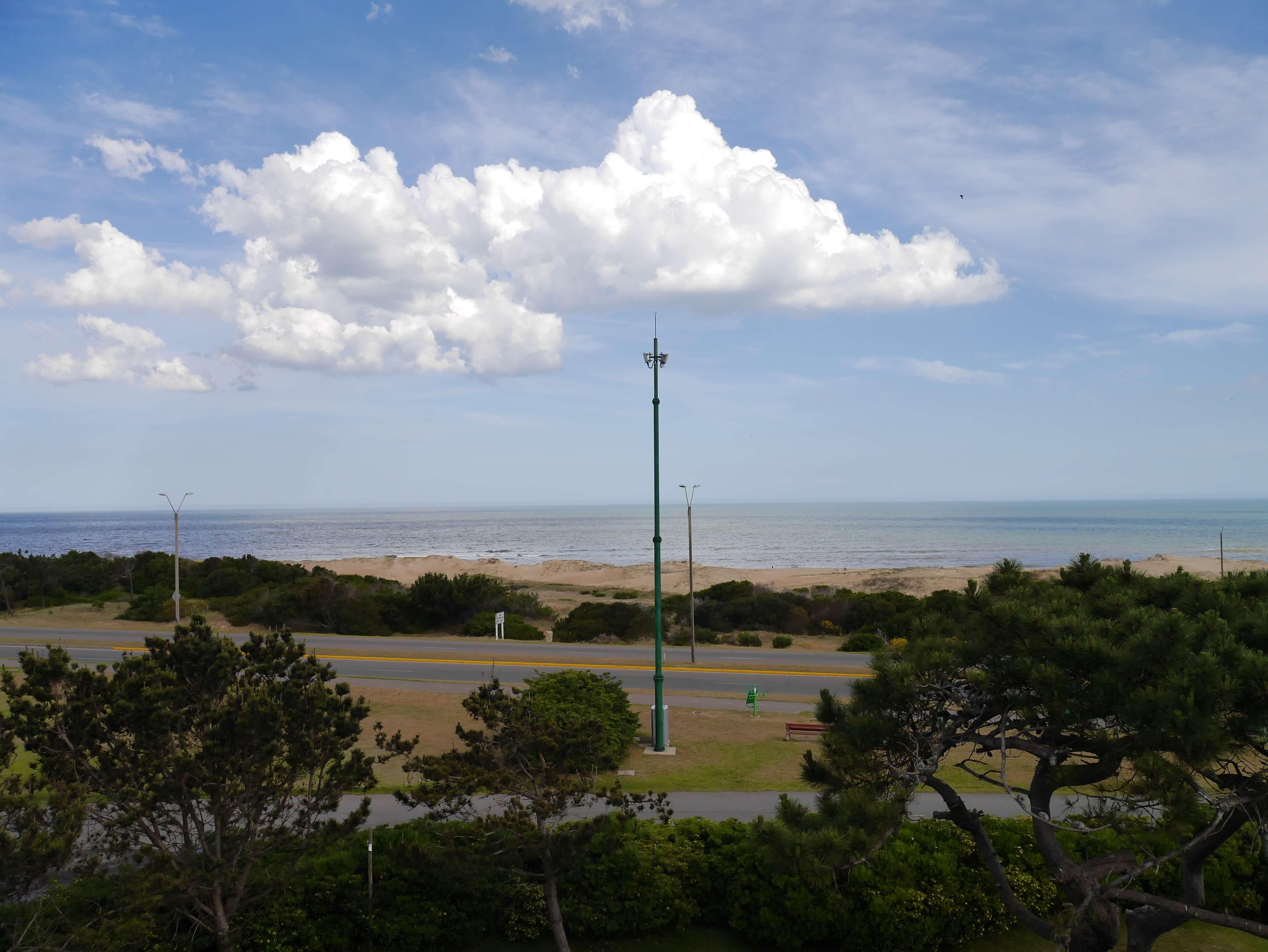Punta-del-Este-Uruguay-playa-mar-cielo