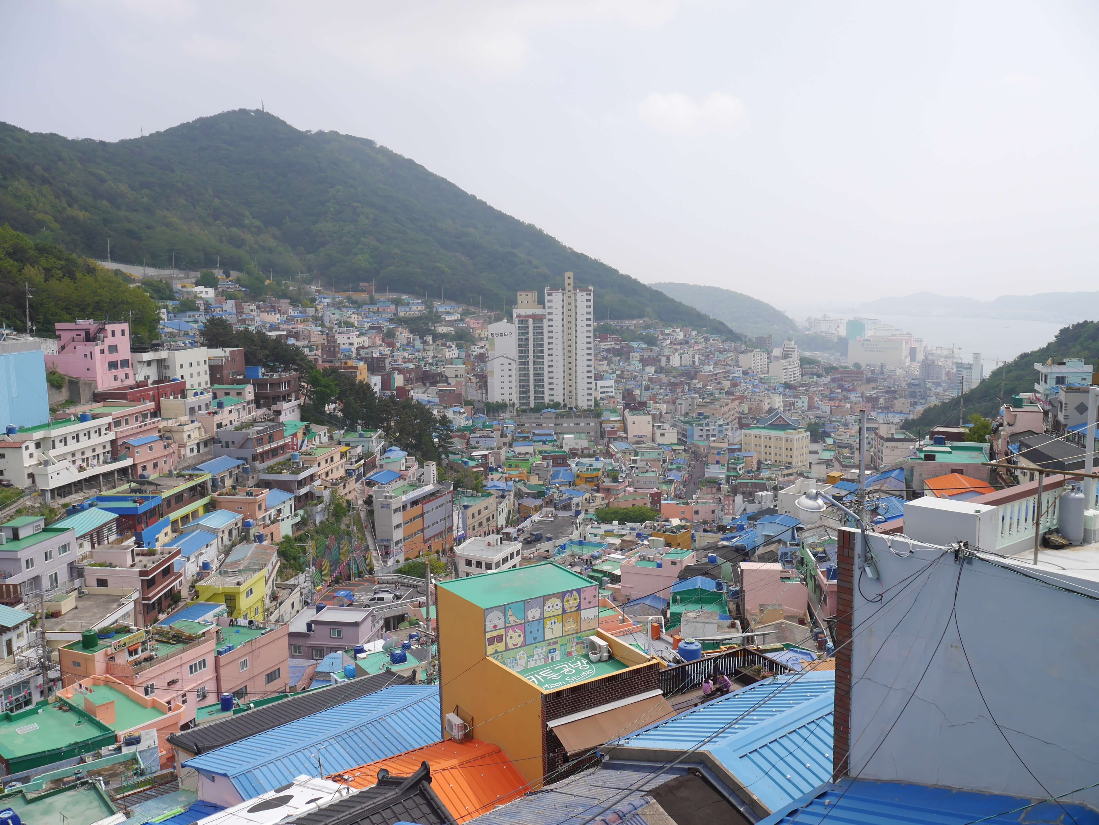 Gamcheon-Busan-Korea-buildings-colourful