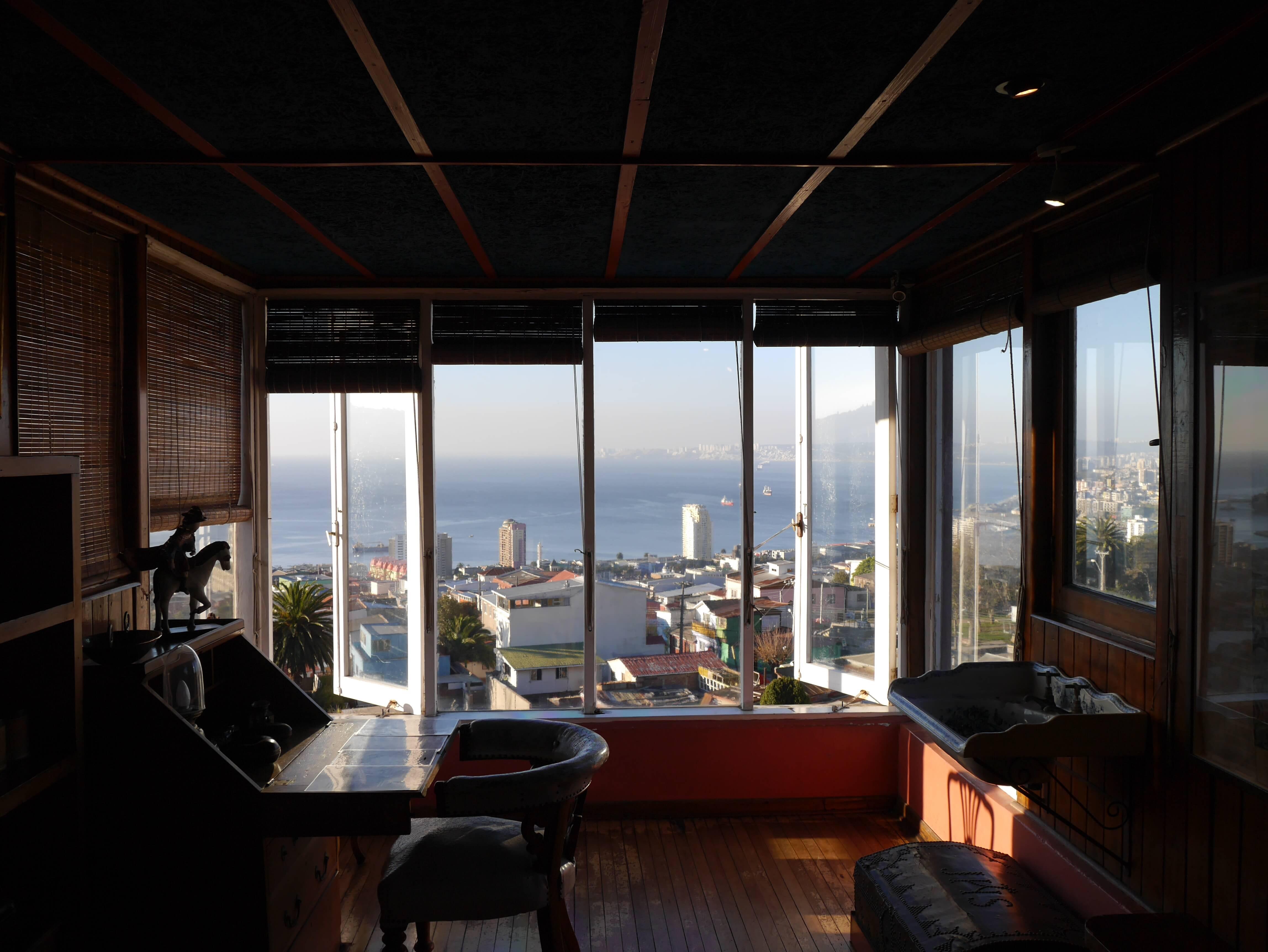 Escritorio-Neruda-Sebastiana-Valparaíso-Chile