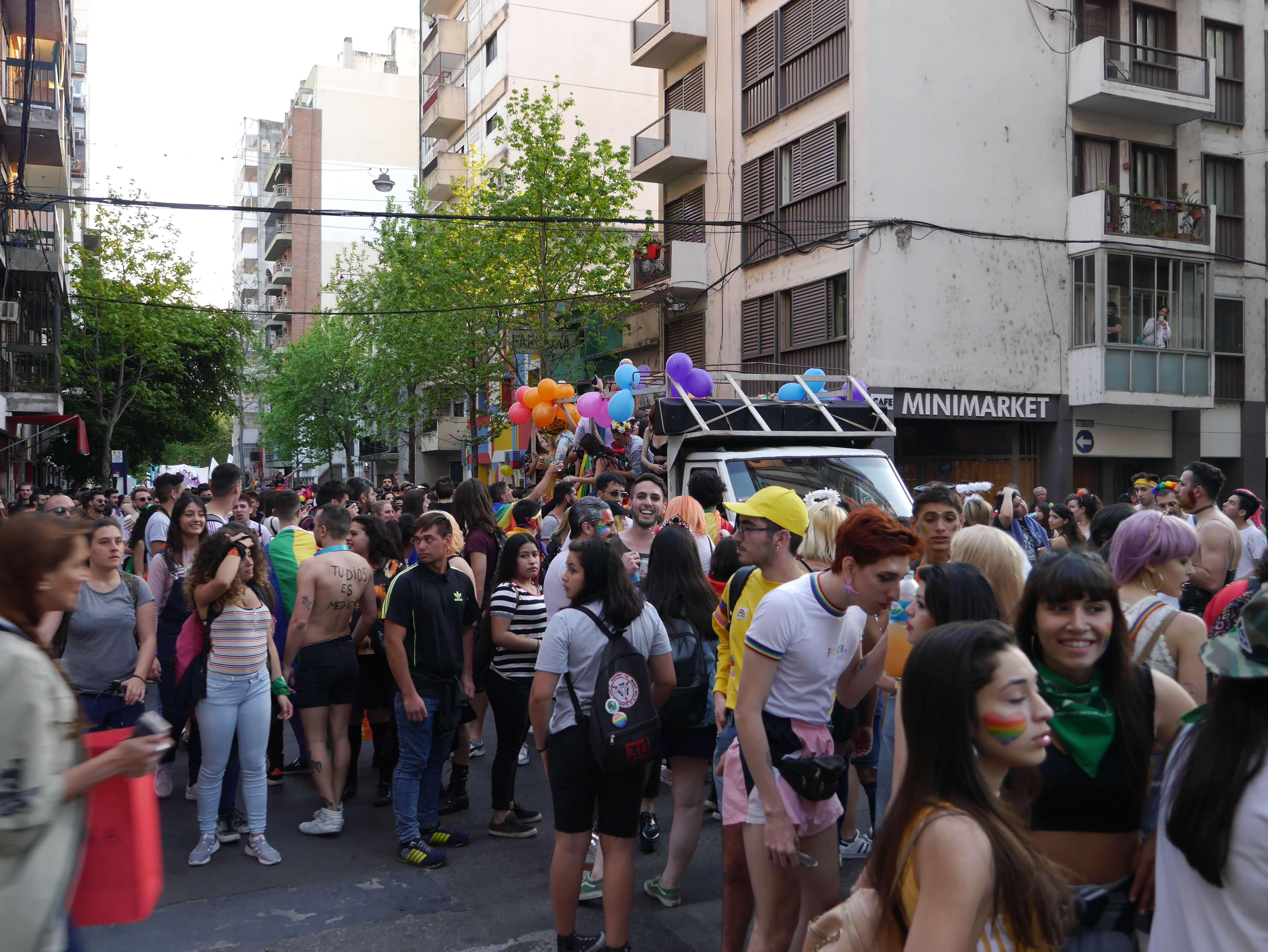 Marcha-orgullo-gay-Rosario-Argentina