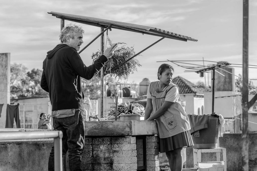Roma-movie-Alfonso-Cuarón-Yalitza-Aparicio-rooftop-laundry