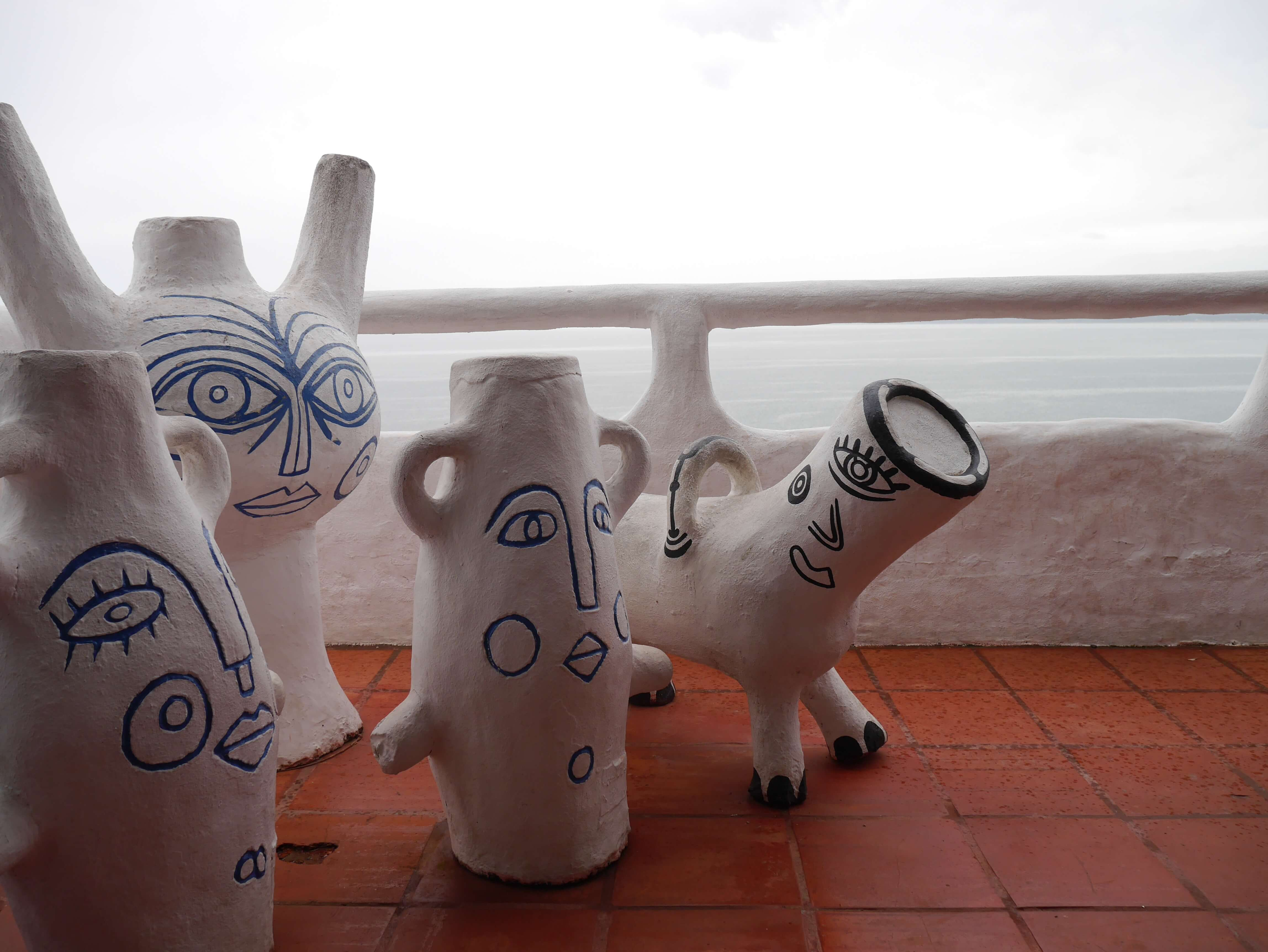 Casapueblo-Vilaró-esculturas-Punta-del-Este-Uruguay
