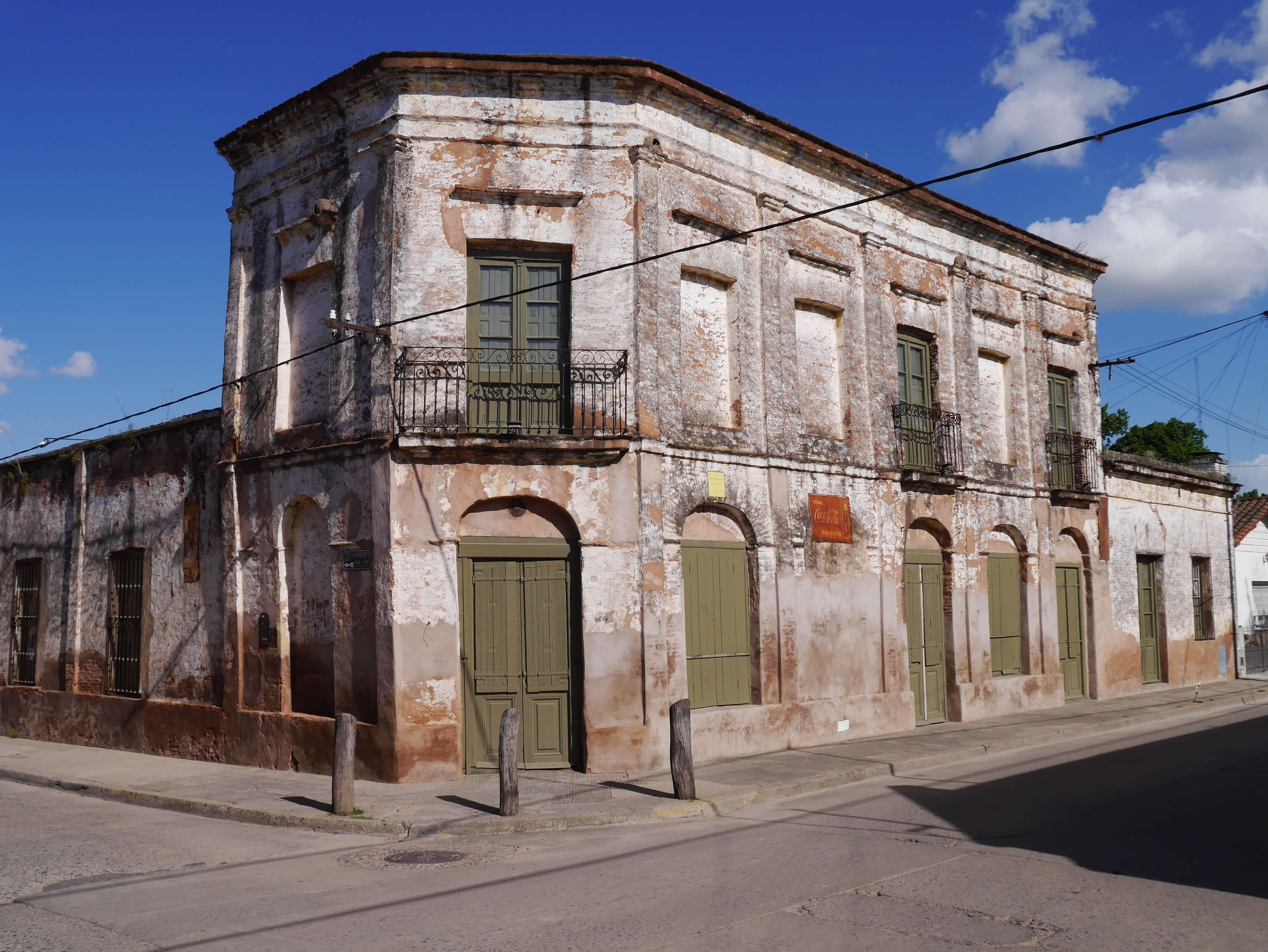 San-Antonio-de-Areco-Argentina-edificio-antiguo