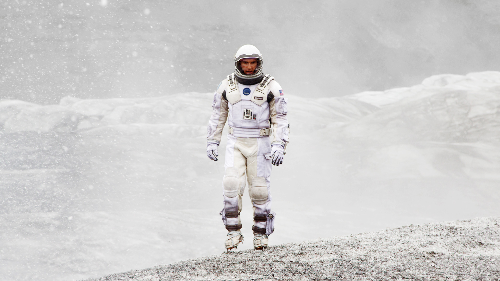 Interstellar-Matthew-McConaughey-spacesuit